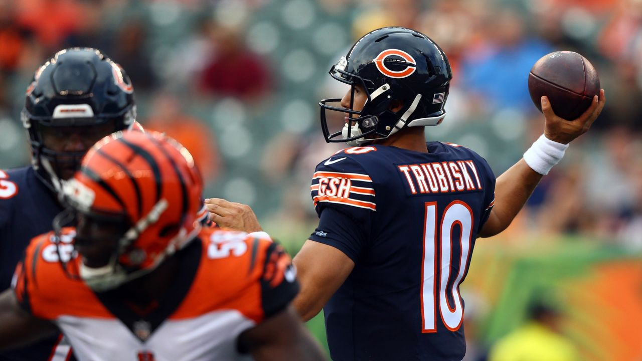 Hub Arkush shares his three takeaways from Thursday night's reason game that featured the Chicago bears and the Cincinnati Bengals. The Bears still have a ways to go from being a complete football team, ready to compete at a higher level. Hub shares what worked and what didn't work in Thursday night's game.