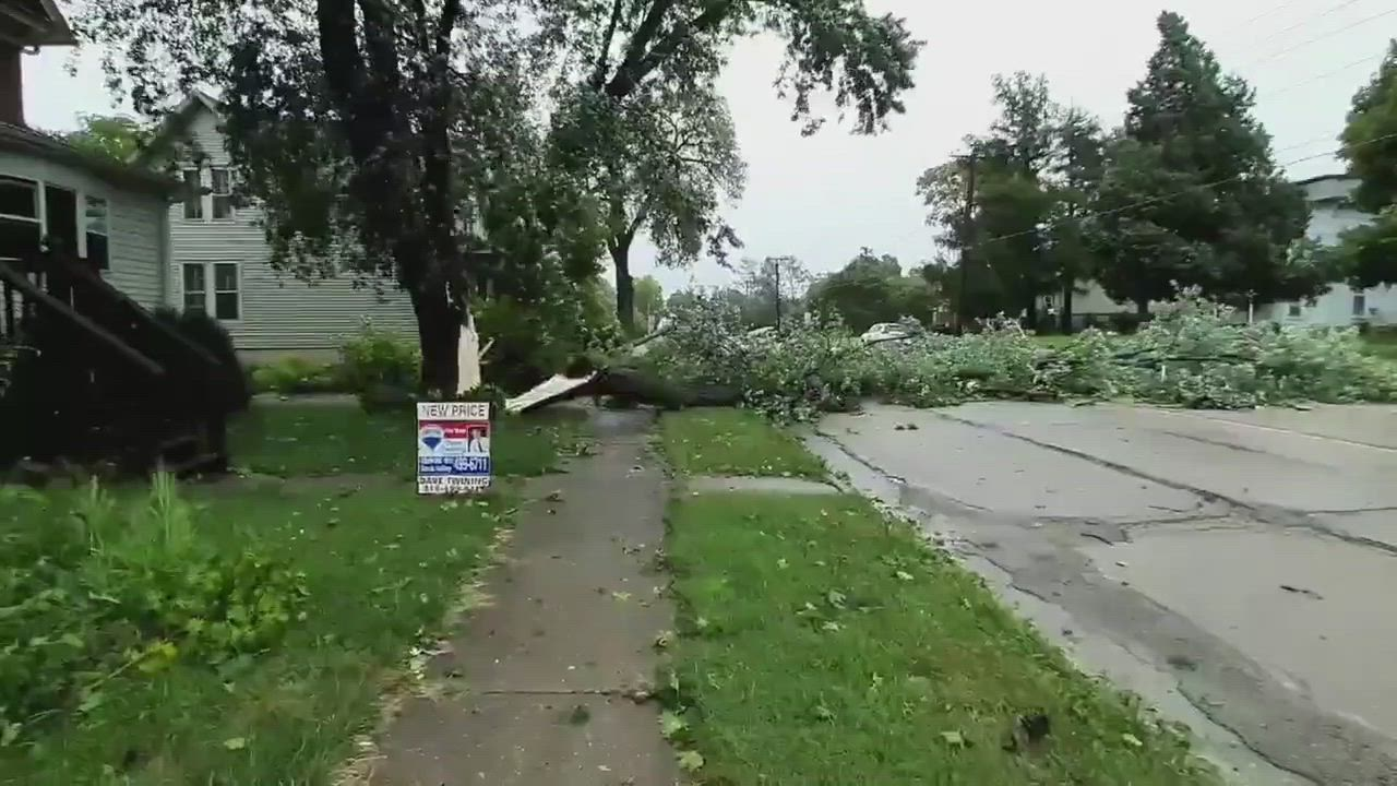 Check out this short scene from the derecho hitting the Sauk Valley