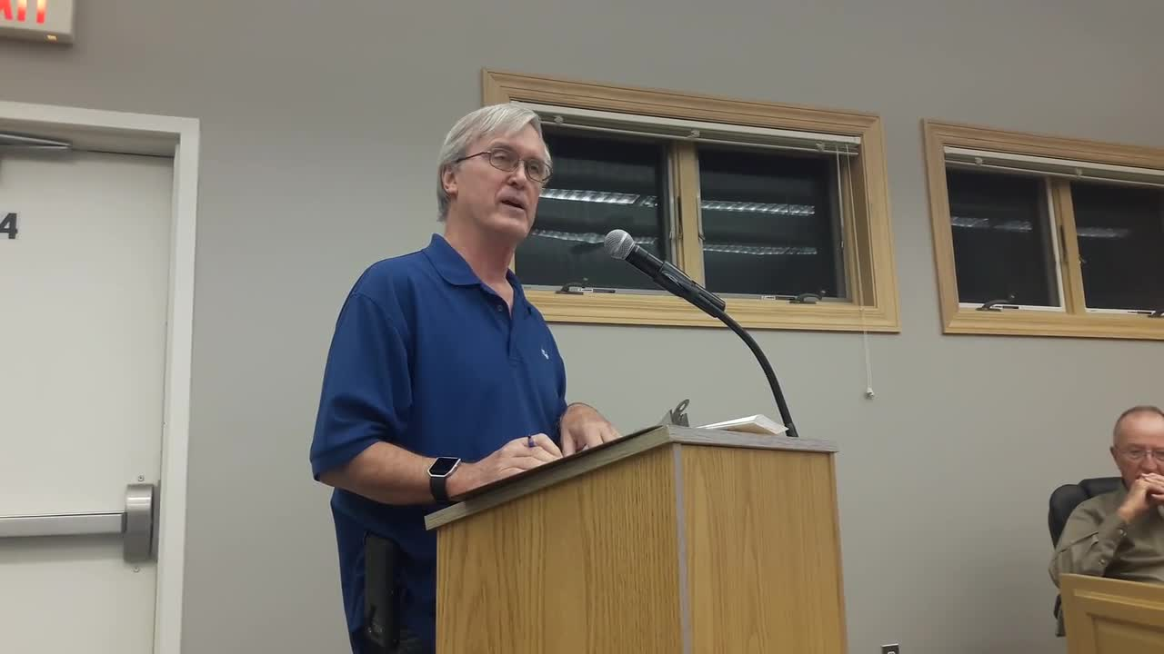 Library Board President Russ Walter speaks to the Yorkville City Council on Oct. 10.