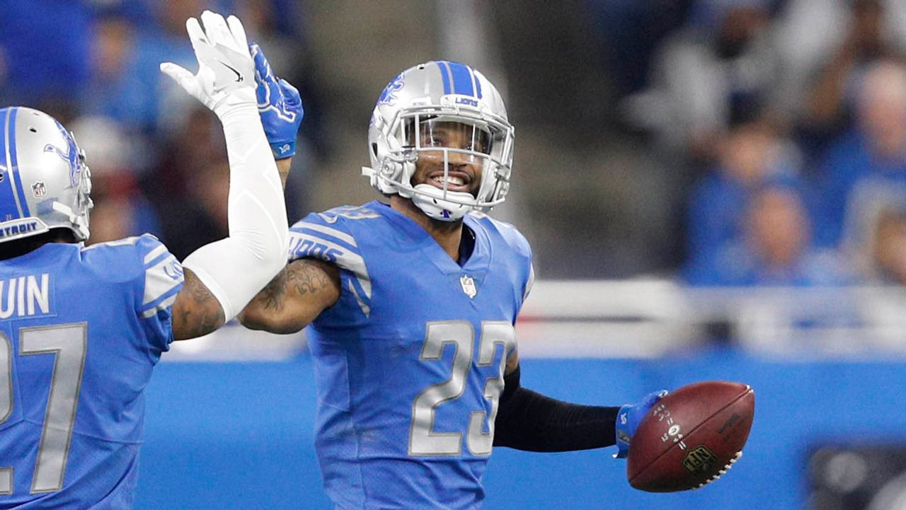 """Eric Edholm reports from the Detroit Lions practice facility in Allen Park, MI., where the Lions held a joint practice with the New York Giants. There was a great crowd turnout for the """"Darius Slay vs. OBJ"""" matchup as the two teams practiced together. Eric also gives an update on Saquon Barkley."""