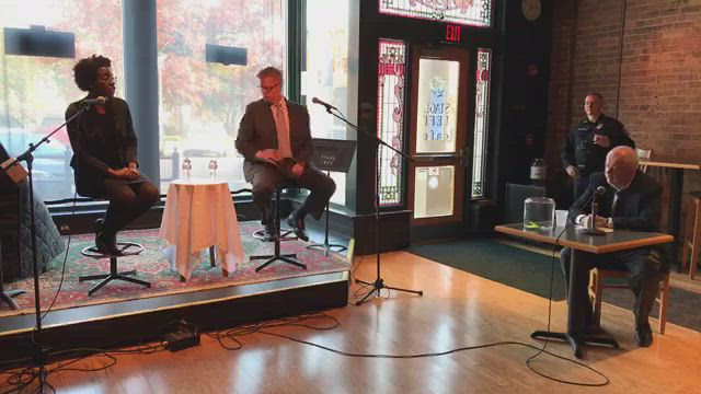 U.S. Rep. Randy Hultgren and 14th Congressional District opponent Lauren Underwood participate in a forum at Stage Left Cafe in Woodstock.